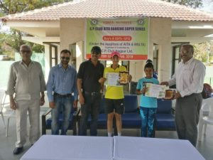 Chandni Srinivasan won the doubles tennis title of the U12 at Nagpur